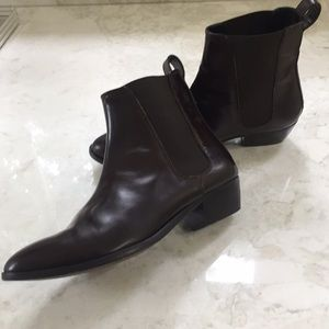 Burberry Dk Brown Leather Pull on Leather Boots
